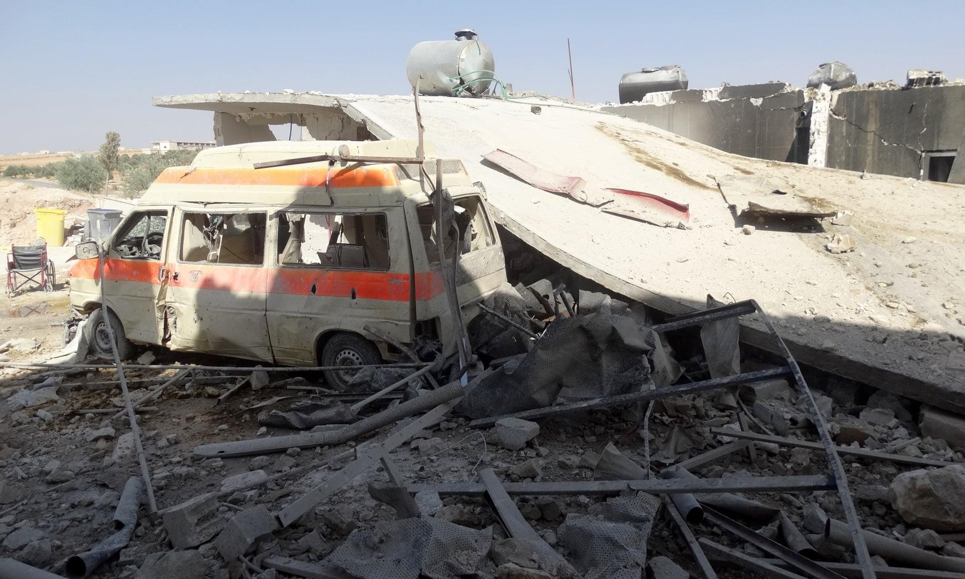 Crollo dell'ospedale al-Tah, crollato dopo un attacco aereo a Maarrat al-Nu'man (Idlib). Credits to: Anadolu Agency/Getty Images.