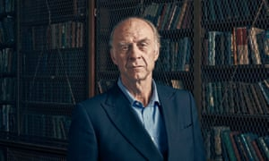 ranulph fiennes in a library