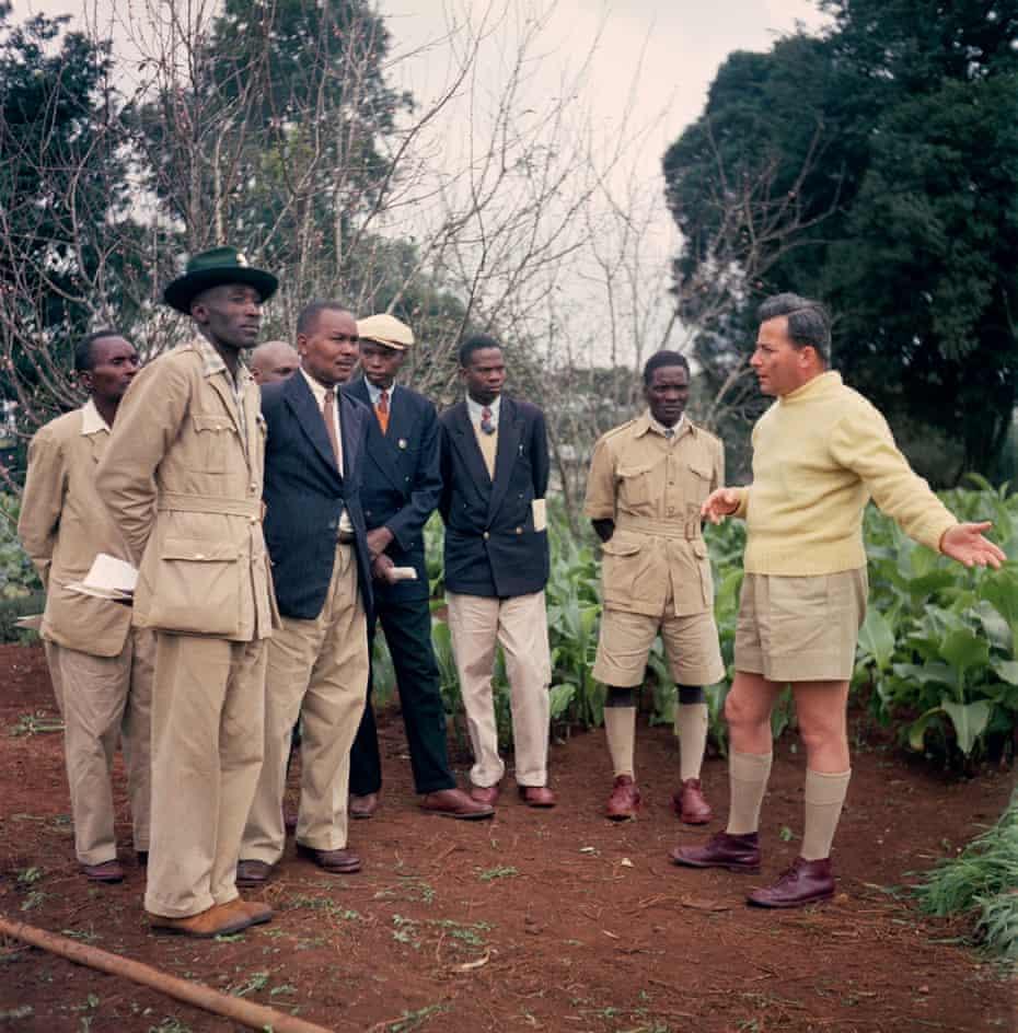 Kenyan farmers at a British colonial-run farm in 1958.