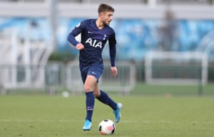 Maurizio Pochettino in action for Tottenham Hotspur's Under-23s.