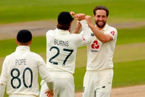 Woakes celebrates with teammates after taking Rizwan.