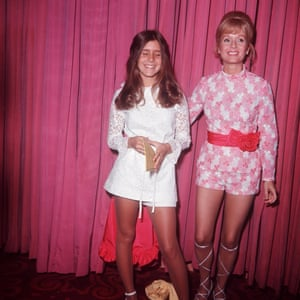 A teenage Carrie Fisher with Debbie Reynolds in 1972.