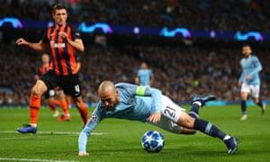 Silva falls off.