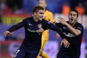 Griezmann, left, celebrates with Koke.