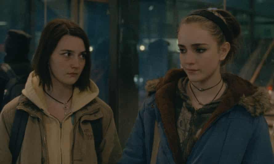 Sidney Flanigan as Autumn and Talia Ryder as Skylar in Never Rarely Sometimes Always