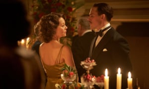 Oswald Mosley (Sam Clafin) and Polly Gray (Helen McCrory).