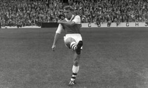 Tommy Docherty playing for Arsenal in 1959
