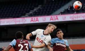 Harry Kane of Tottenham Hotspur beats Fabian Balbuena of West Ham United to a header but can't keep it down.