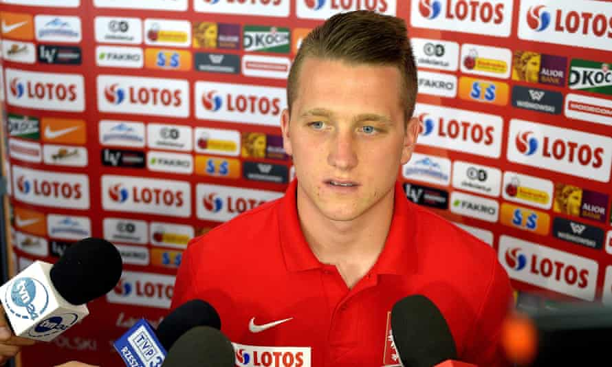 Piotr Zielinski speaking to Polish journalists before the game against Northern Ireland