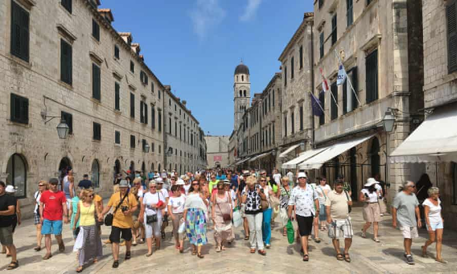 Cruise ship visitors on the streets of Dubrovnik.