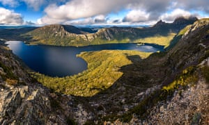 Dove Lake near Cradle Mountain in Tasmania