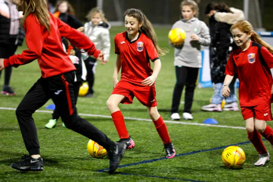 Girls at a Drumchapel United training session in November 2020.