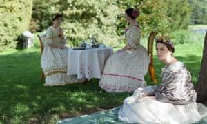 Gresham sisters enjoy tea