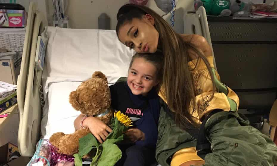 Ariana Grande with eight year old Lily Harrison