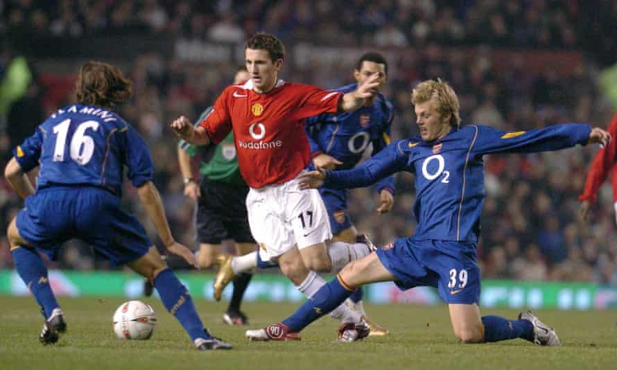 Sebastian Larsson (right) battles for the ball with Manchester United's Liam Miller with Mathieu Flamini looking on during a League Cup quarter-final in 2004.