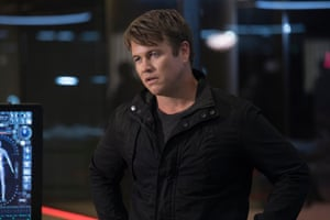 Ashley Stubbs (Luke Hemsworth).