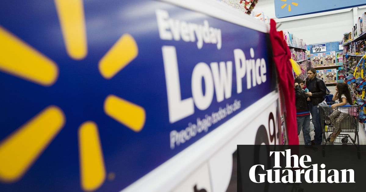 'Poverty pay' leads Walmart employees to skip lunch - or ...
