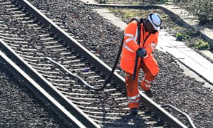 UK railways in chaos as searing heat sparks fear of derailed