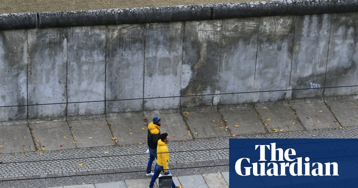 World has failed to learn lessons of Berlin Wall, say film-makers