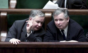 Lech Kaczyński (left) and his identical twin, Jarosław, during a parliamentary session in Warsaw in 2005.