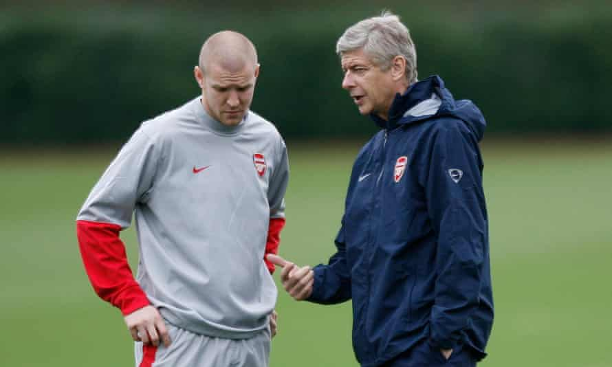 Arsène Wenger talk to Philippe Senderos in 2009. 'A personality like him wouldn't mind if he takes the blame and protects his team,' the Swiss says.