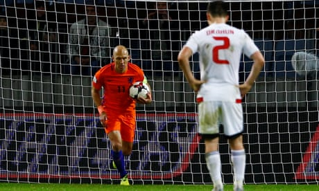 Holland see off Belarus but need miracle after Sweden's rout of Luxembourg