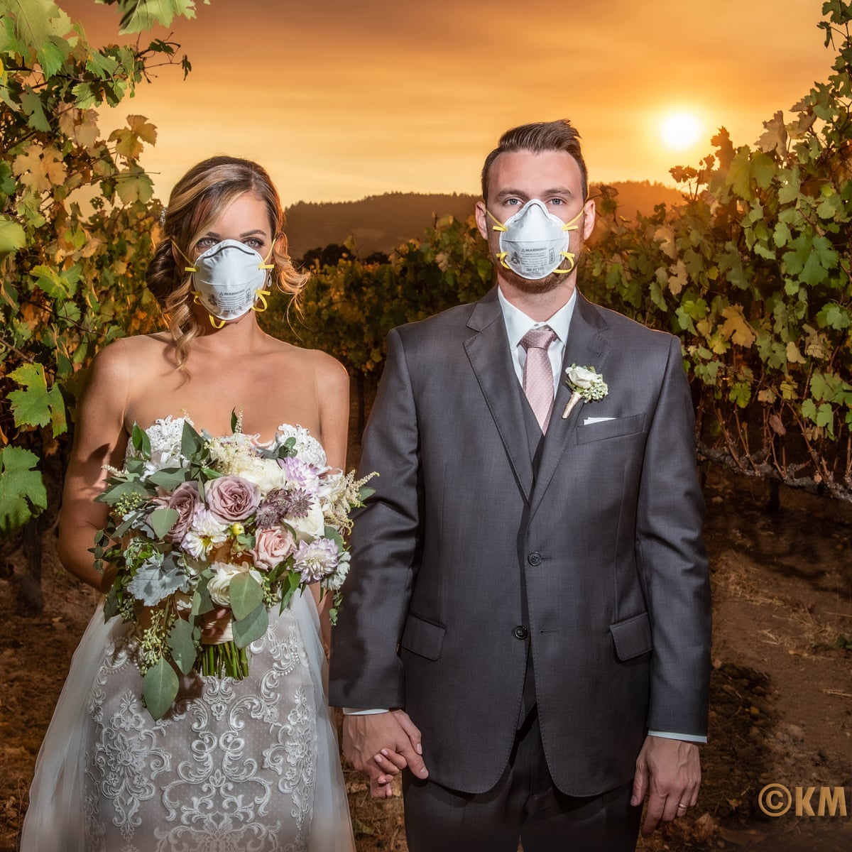 Wildfire Wedding Couple Wear Protective Masks In Viral California Photo California The Guardian