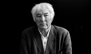 Irish poet and writer Seamus Heaney at the Edinburgh international book festival in 2002
