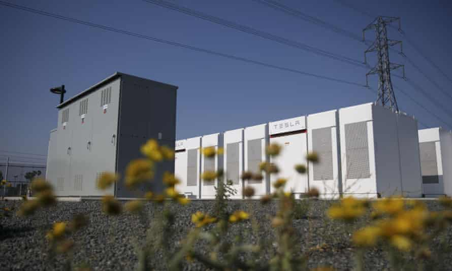 Tesla Powerpacks and inverters in an energy storage system facility in California