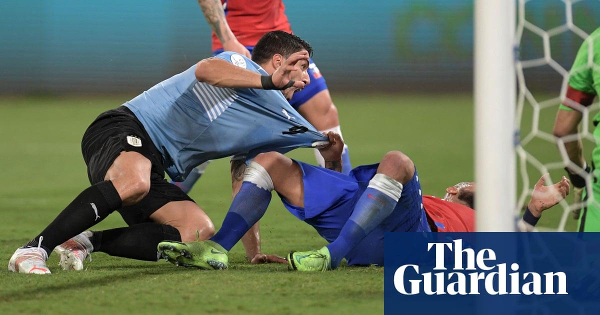Uruguay earn Copa América draw with Chile as Luis Suárez forces Vidal error