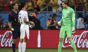 Goalkeeper Tim Krul of the Netherlands and Costa Rican player Giancarlo Gonzales during the penalty shootout of the Fifa World Cup 2014 quarter final match.