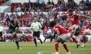 Leeds United's Samuel Saiz shoots at goal against Nottingham Forest at the City Ground on Saturday.