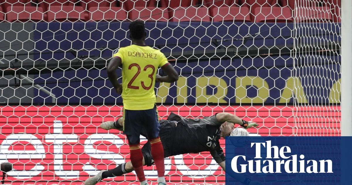 Martínez shootout heroics propel Argentina into Copa América final