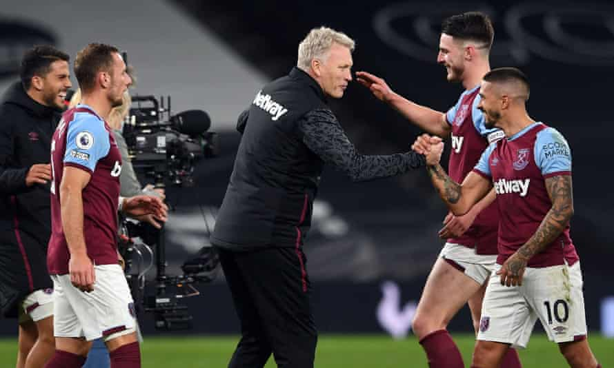 David Moyes celebrates with West Ham players including Manuel Lanzini (right) after the spectacular comeback to draw at Tottenham.