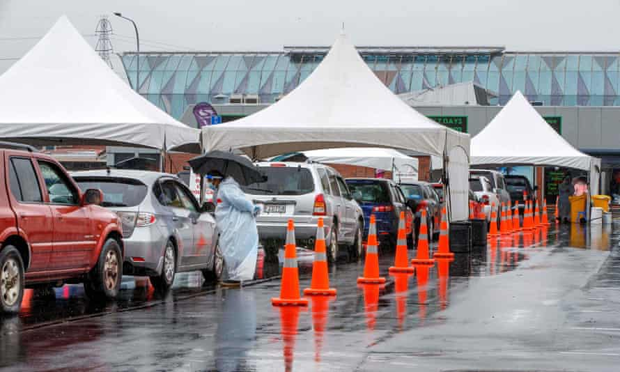 Motorists queue at the Otara testing station after a positive coronavirus case was reported in the community.