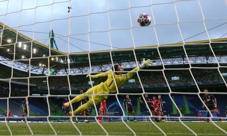 Serge Gnabry gives Bayern Munich the lead.