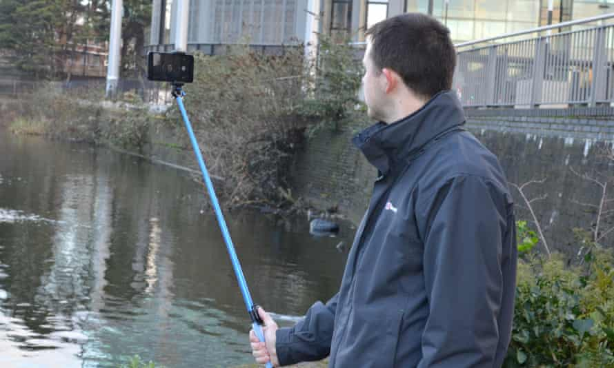 XShot Deluxe Selfie Kit with Remote review