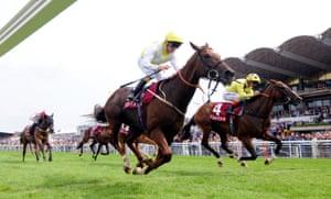 Hovering horses; King's Advice and Joe Fanning win the Qatar Summer Handicap