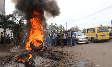 Supporters of Felix Tshisekedi protest in Kinshasa