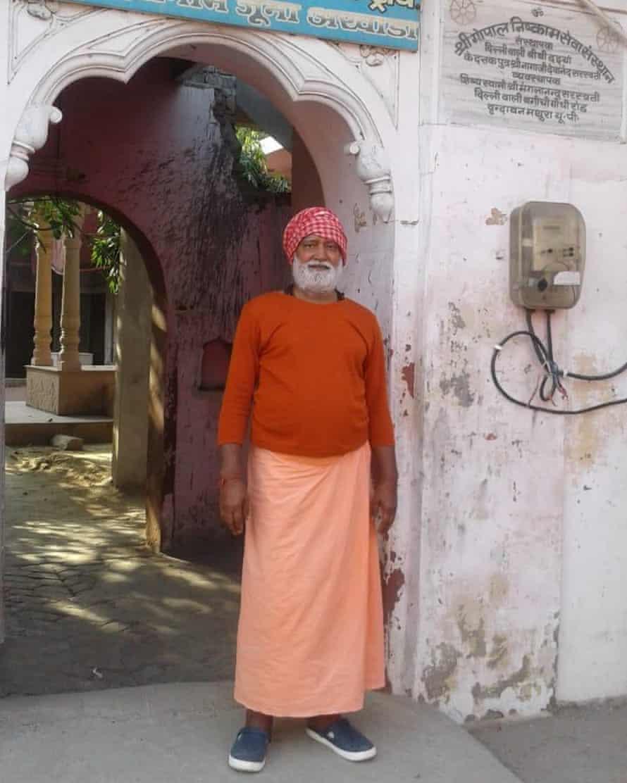 Pragyanand Giri, at his hermitage