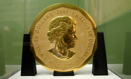 The 100kg 'Big Maple Leaf' bearing the Queen's head was minted by Canada in 2007 is made of highly pure gold.