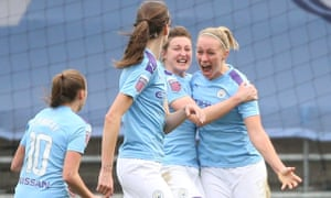 Manchester City's Pauline Bremer (right) celebrates her goal