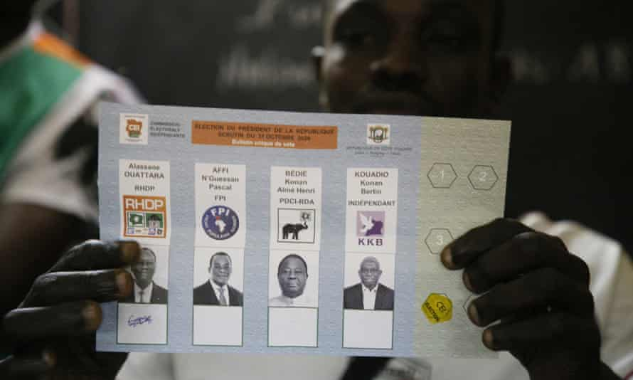 An election worker counting ballots after voting closed in the first round of the presidential elections in Abidjan last week.