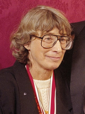 Mary Oliver in 1992