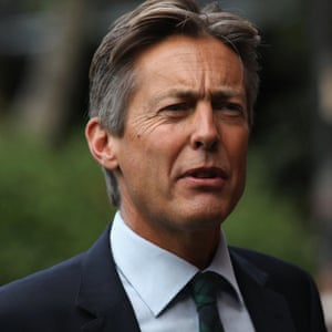 Ben Bradshaw says the UK government should establish an inquiry similar to the Mueller investigation into Russian interference in the US.