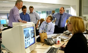 Simon Kelner, centre, with staff in the Independent newsroom in 2006.