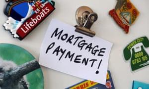 Fridge magnet with mortgage reminder