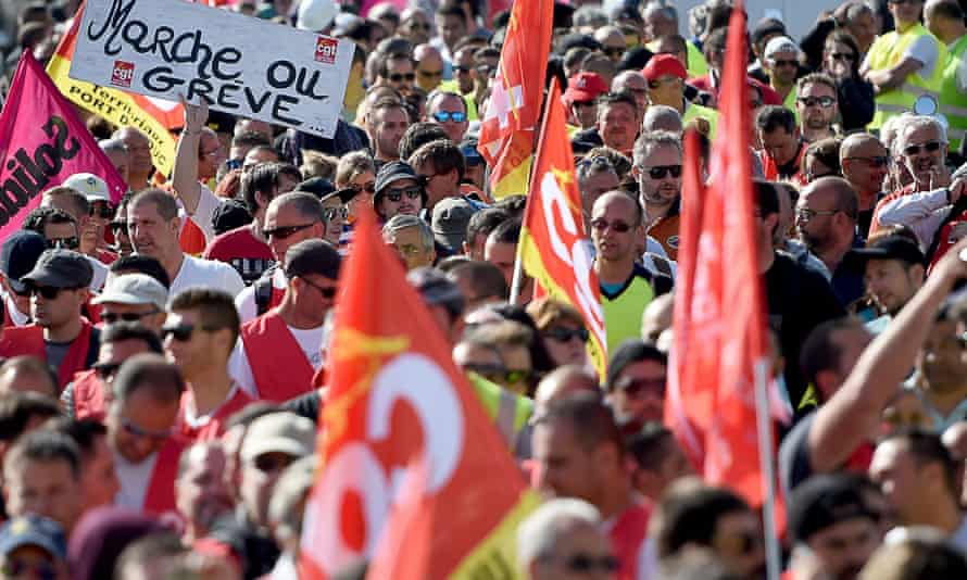 CGT members protest near Marseille airport