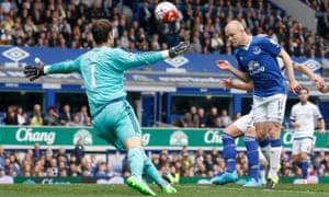 Everton's Steven Naismith scores their first goal.
