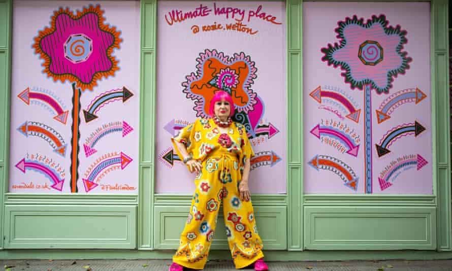 Zandra Rhodes unveiling custom street art designs in Seven Dials, London in September.